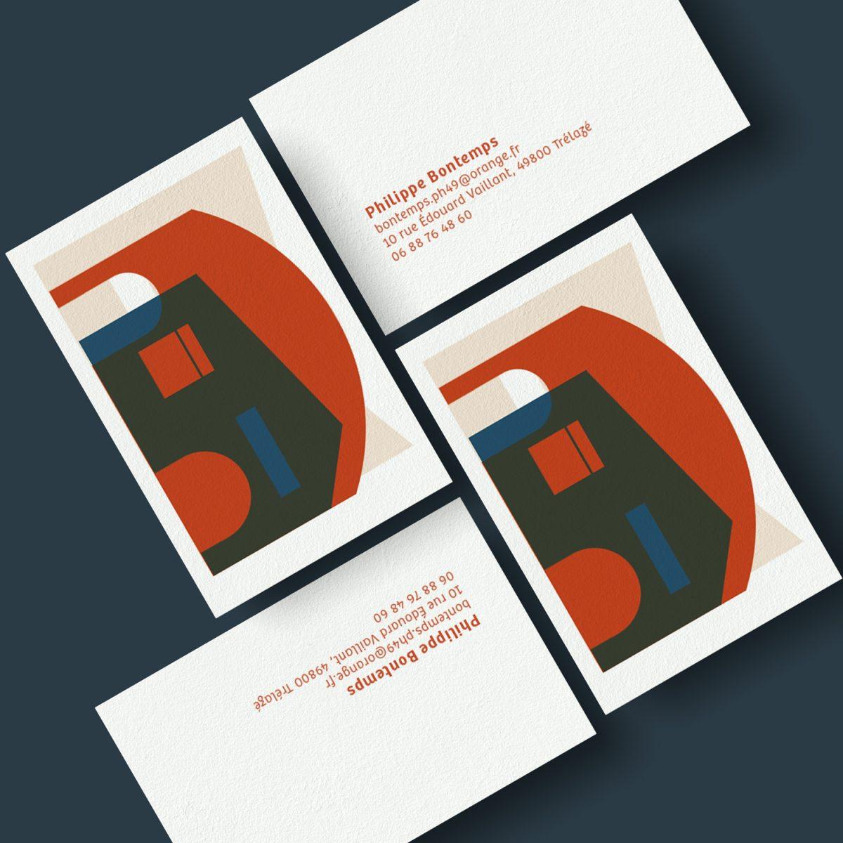 Carte de visite visuel numéro 4, jeux de couleurs et de transparence, des formes qui évoquent une architecture contemporaine.